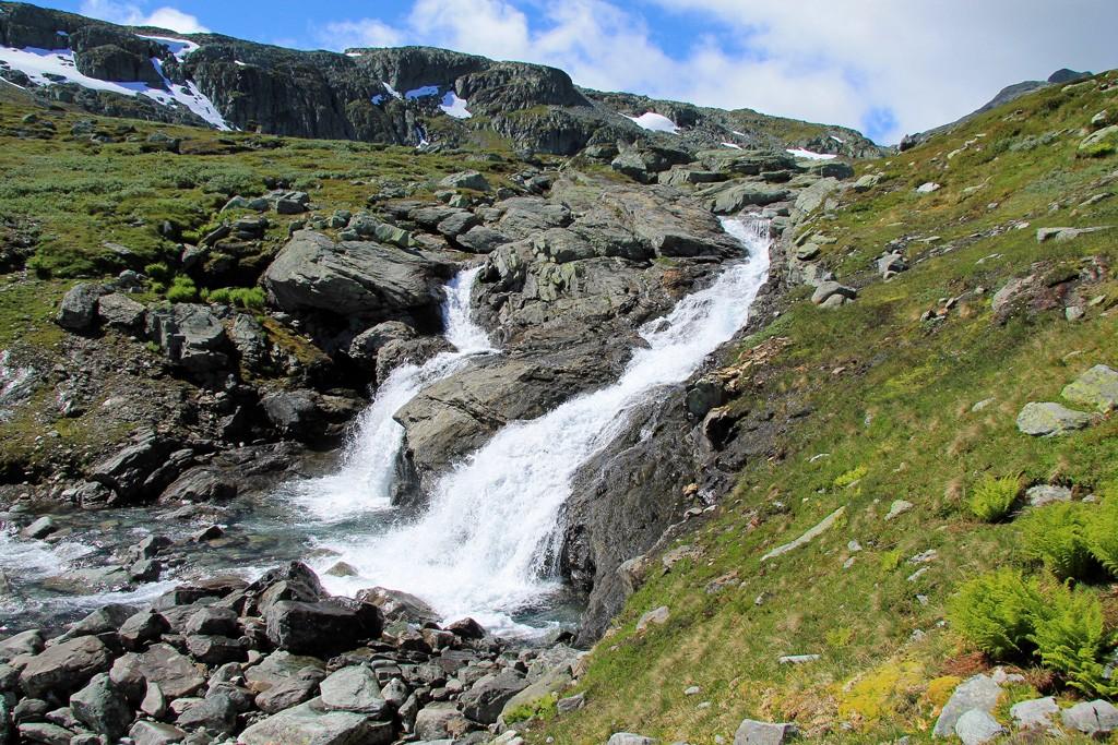 Mugnetind hike waterval