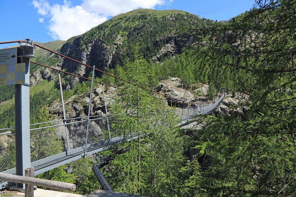 Zermatt hangbrug Furi