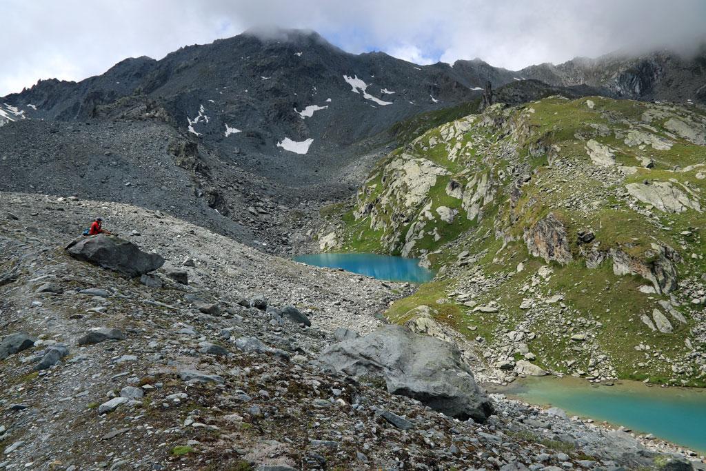 Tour des Lacs Morraine lakes
