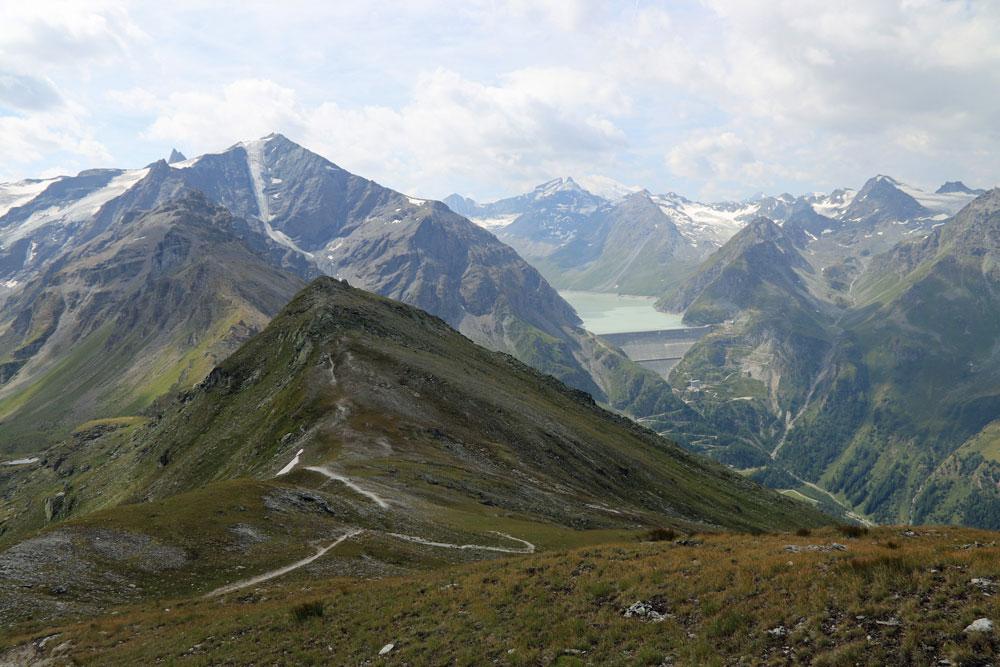 Uitzicht Pic d'Artsinol op Lac des Dix