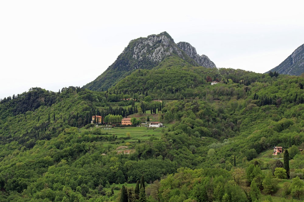 Uitzicht Sasso Monte Castello di Gaino